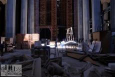 Kaum vorstellbar: wo heute Säulen ein lichtdurchflutetes Dach tragen, war vor nicht allzu langer Zeit noch eine staubige Baustelle. Aufnahme von 2008