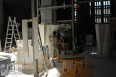 Work on the pillars that will carry the vault (2008)