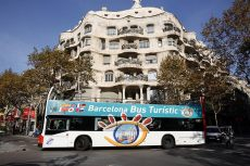 Sightseeing tours of the city on the open-top hop-on hop-off - Bus Turístic