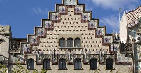 Fassade des Casa Amatller symbolisiert eine Schokoladentafel