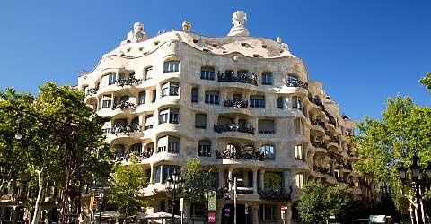 Fassade des Casa Milà