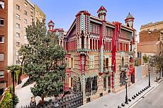 Book the admission to Casa Vicens here