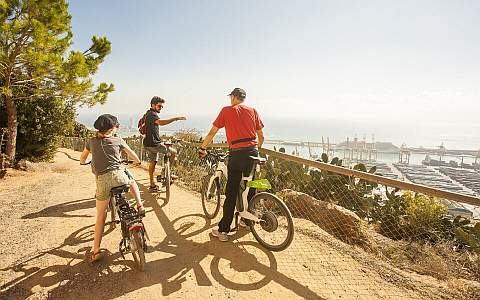 Mit den E-Bike-Touren auf dem Montjuïc die Aussicht genießen