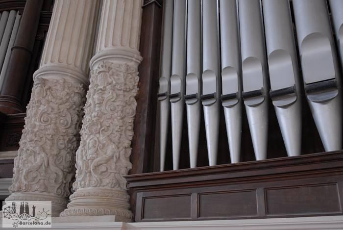 Meters high organ pipes