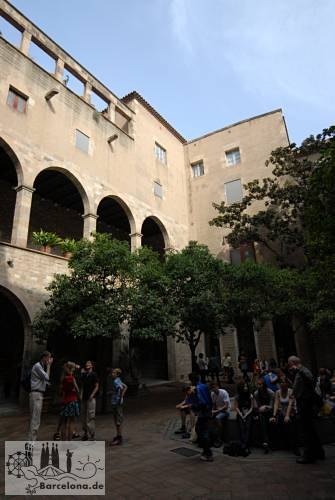 The courtyard of the Museu Frederic Marès