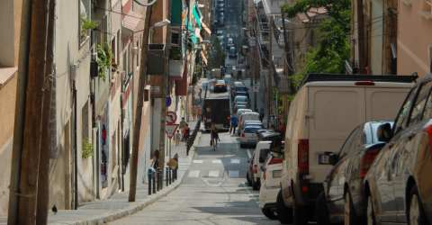 Narrow streets and alleys in Gràcia