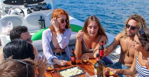 Exklusive Motoryacht Charter
