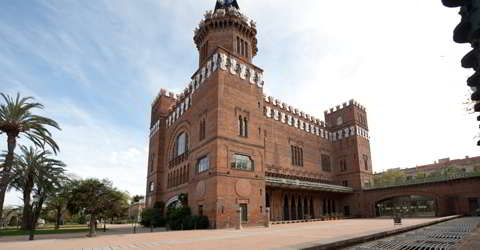 Das Castell dels tres Dragons (Burg der drei Drachen) ist das älteste modernistische Gebäude