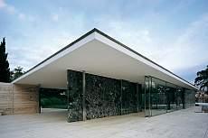 Stuhl Barcelona im Pavillon Mies van der Rohe