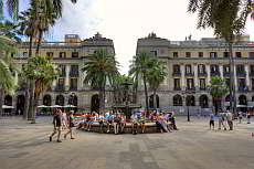 Private guided tour in Barcelona's old town district Raval