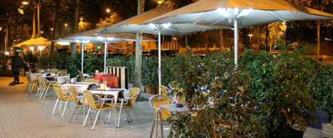 Terrace of the Fashion restaurant on the Avinguda del Paral·lel