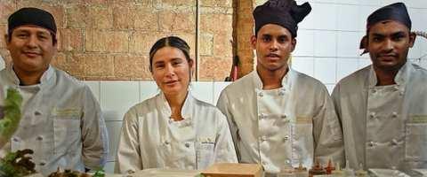 Das Team des Hello Sushi bietet zaubert kreative Küche aus Asien und dem Mittelmeer.
