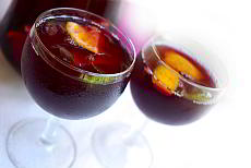 Recipe of Sangría - a drink for hot summer days