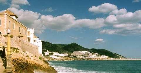 Sandstr�nde und gute Wasserqualit�t laden in Sitges zum Baden ein