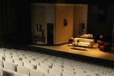 Theatres in barcelona for Teatre villarroel infamia