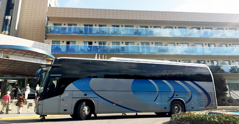 Innerstädtischer Transfer dem Reisebus bis 54 Personen