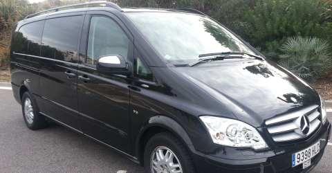 Chauffeurdienst mit Limousine oder Van
