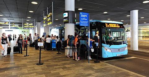Bushaltestelle des Aerobús im T1