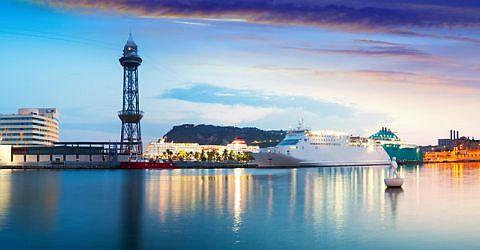 F�hre ab Barcelona zu Zielen im Mittelmeer